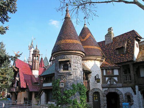 Disneyland Paris - Fantasyland buildings