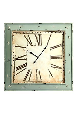 This vintage metal square clock looks best in a urban styled home, it gives your room the finishing touch it needs