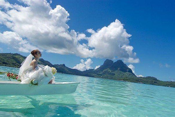 На острове Бора-Бора, Французская Полинезия.