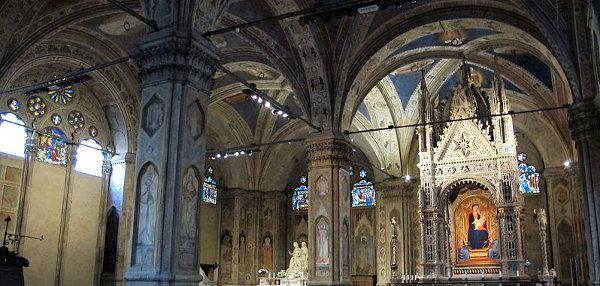 Chiesa di Orsanmichele: il granaio, le statue e l'invenzione del Rinascimento