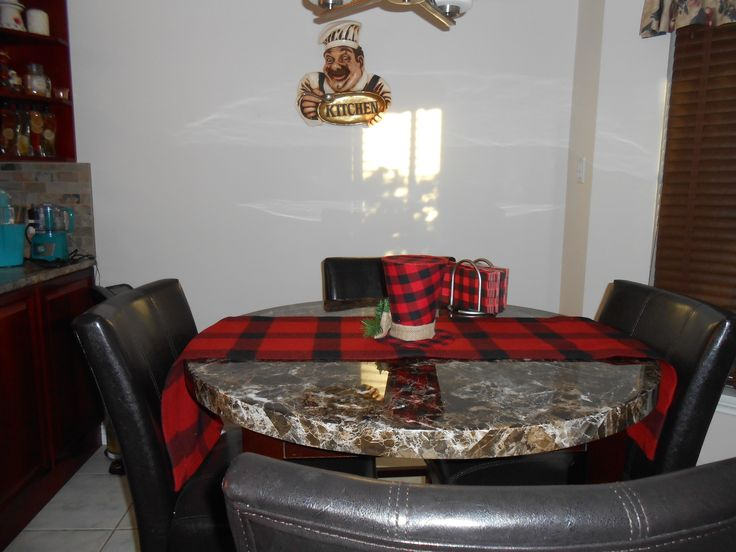 Buffalo Plaid Table Runner, Top Hat and Napkins.
