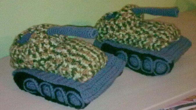 Bačkory jako tanky, háčkované na zakázku