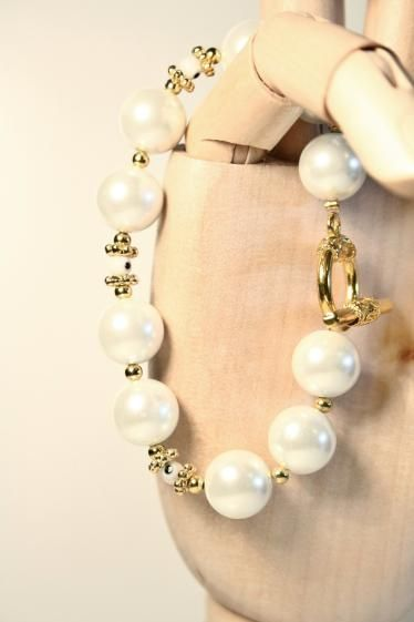 Round She Goes - Market Place - White Pearl Evil Eye Superstition Bracelet