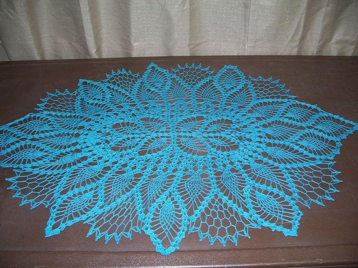 Free crochet patterns dresser runner about crochet for Table design patterns