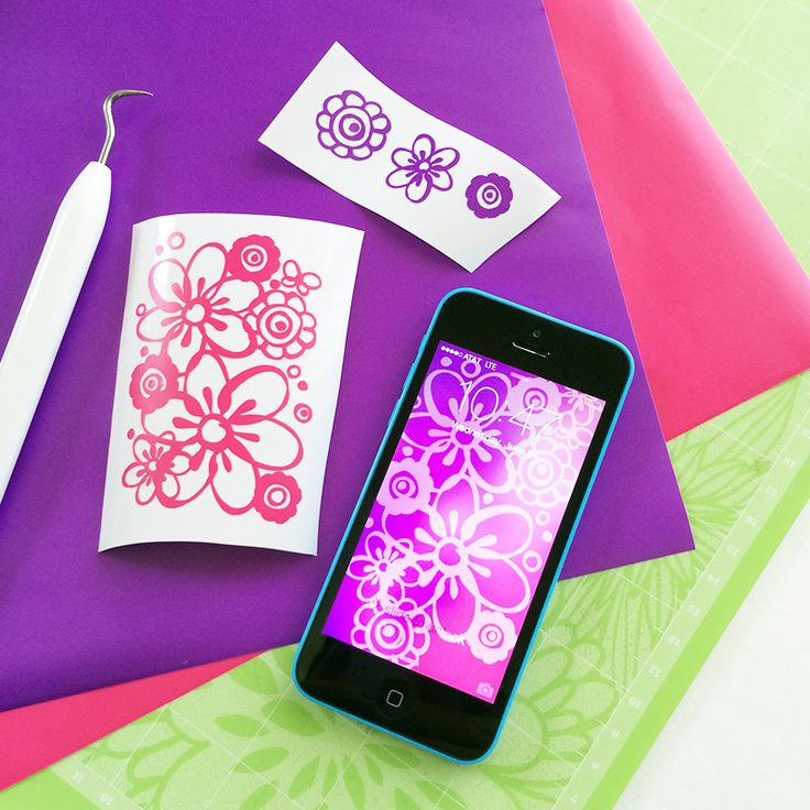 Make iPhone Decals with Cricut Explore and Cricut iPhone app for Design Space, Plus Free Floral iPhone Wallpaper!