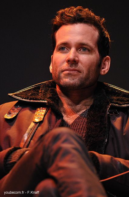 Eion Bailey - Fairy Tales convention in Paris 2013. I want more adult Pinoccio!!!