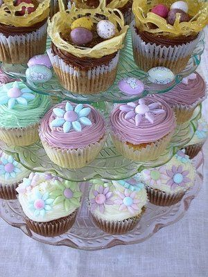 Cute easter cupcakes
