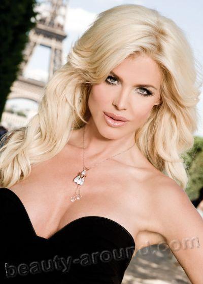 Victoria Silvstedt Swedish international fashion model, actress, singer and TV presenter Miss Sweden 93