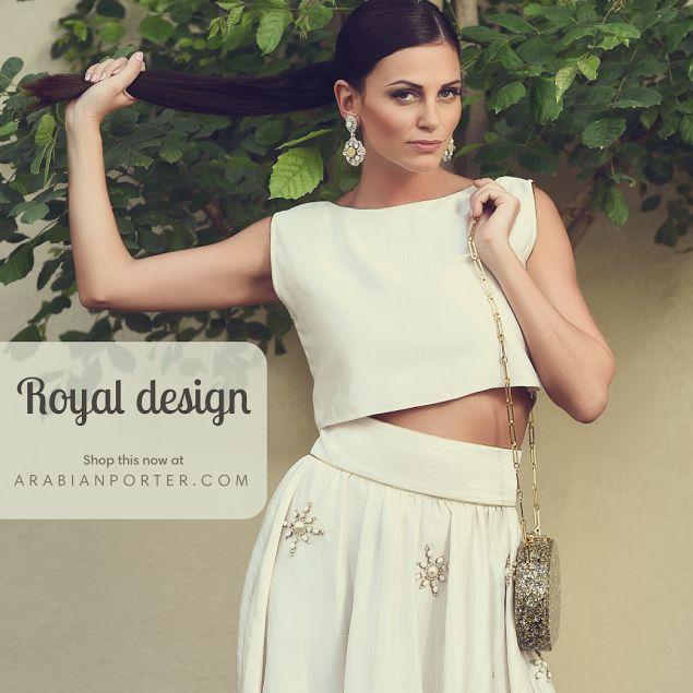 Shop this #gorgeous set now @ Arabianporter.com #onlineshop #luxury #collections based out of #Qatar #doha #worldwide #shipping #Dubai #Sharjah #Abudhabi #Saudiarabia #Riyadh #Oman #Kuwait #Bahrain