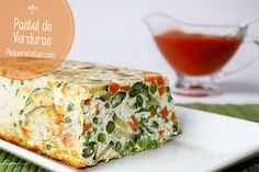 Pastel de verduras. Hoy os proponemos todo un clásico de las recetas, pastel de verduras. Con este pastel de verduras paso a paso veréis cómo los niños comen verduras sin protestar