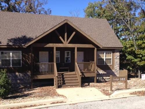 Sleepy Hollow Cabin Ruth C Township (Missouri) Sleepy Hollow Cabin offers pet-friendly accommodation in Marvel Cave, 11 km from Branson. Guests benefit from terrace. Free WiFi is provided throughout the property and free private parking is available on site.