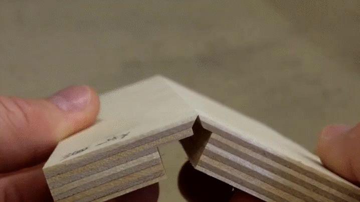 Vídeo: Técnica de carpintaria que permite dobrar chapas de madeira e criar peças tridimensionais | ArchDaily Brasil