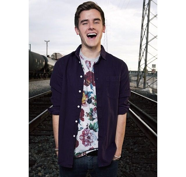 Connor Franta Smirk 184 best images about ...
