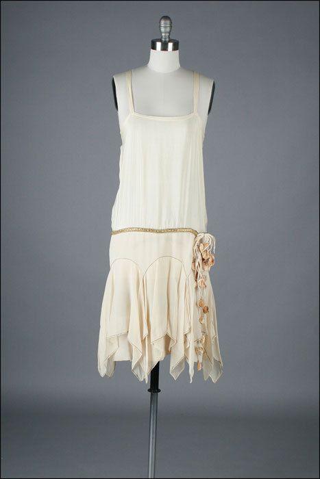 vintage 1920s dress . silk crepe . flapper dress . cape (2)