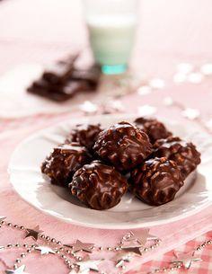 Arašídy v čokoládě jsou křupavé, akorát sladké a bleskově hotové; Mona Martinů