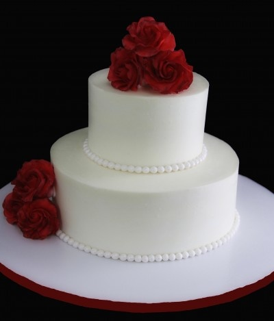 Red Rose Wedding Cake (optional: make the pearls gold sugar pearls)