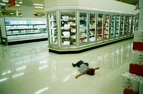 tbh this makes me think of the first time Berry went into a shop. She would've been so shocked by all the food just lying there that she'd probably just stop and lie down in the middle of he shop to appreciate it.
