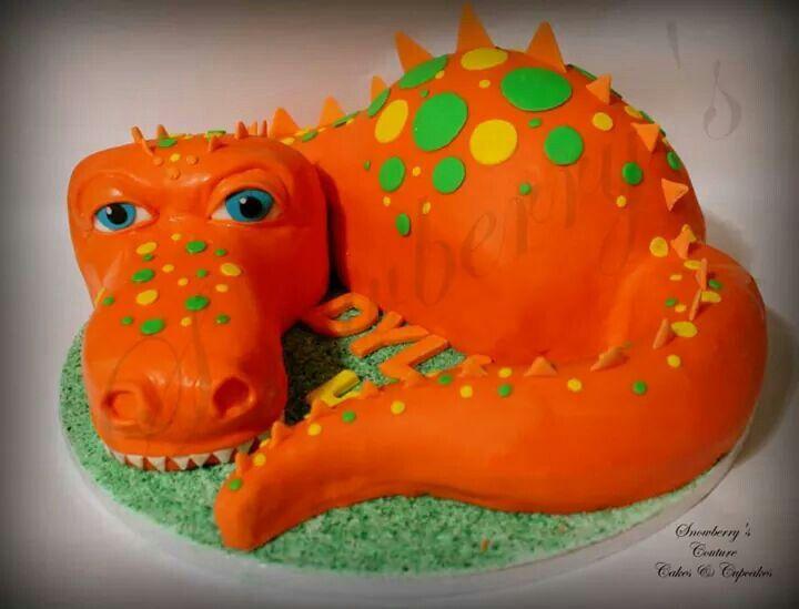 Friendly dino cake
