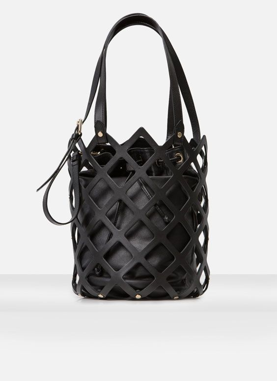 Visibly Interesting: Bucket Bag - Cris Figueired♥