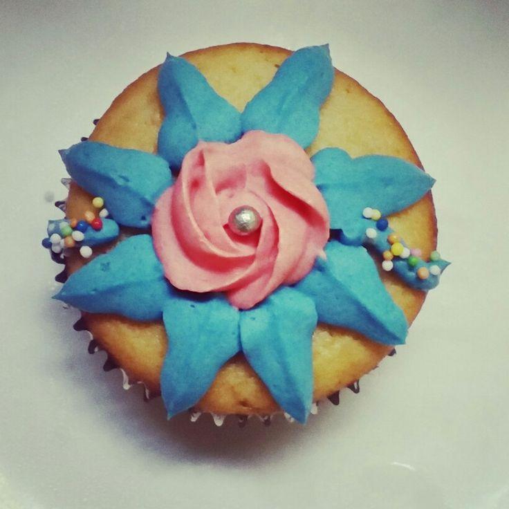 #rakhi #cupcakes #eggless #vanilla #festivals