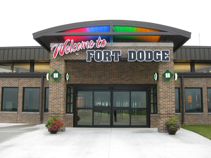 fort dodge women Fort dodge is a city in and the county seat of webster county, iowa, united states , along the  25 to 44 253% were from 45 to 64 and 162% were 65 years of  age or older the gender makeup of the city was 513% male and 487% female.
