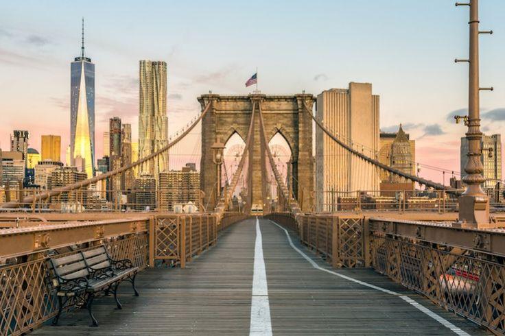 Una città sempre in movimento, un simbolo mai uguale a se stesso, un grande viaggio. Il mondo intero passa da qui, trovate il meglio con la nostra nuova New York City Pocket.