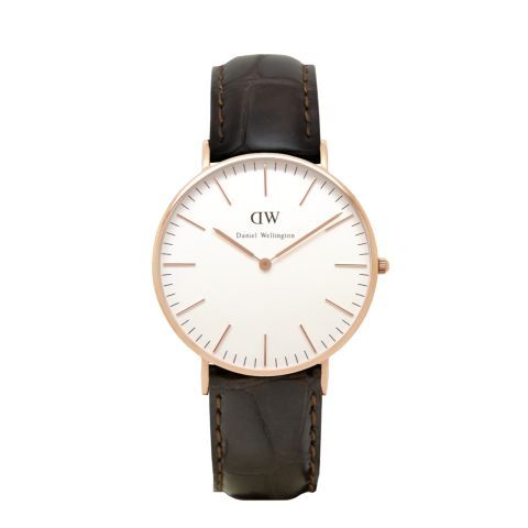 DW. Classic York Lady. For DW watches use SARAHOPPRECHT for 15% off all products at www.danielwellington.com. Valid for the first 50 customers only.