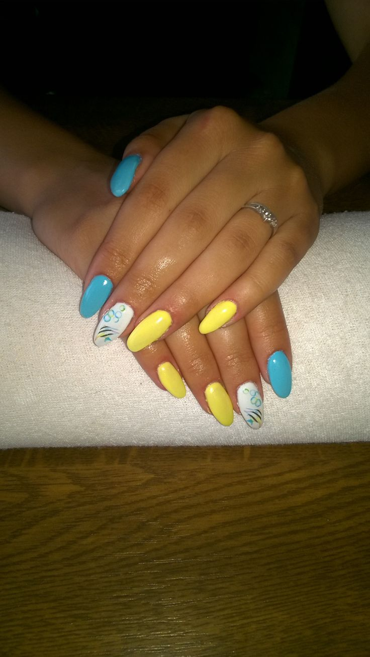 summer nails - blue and yellow gel and fishes