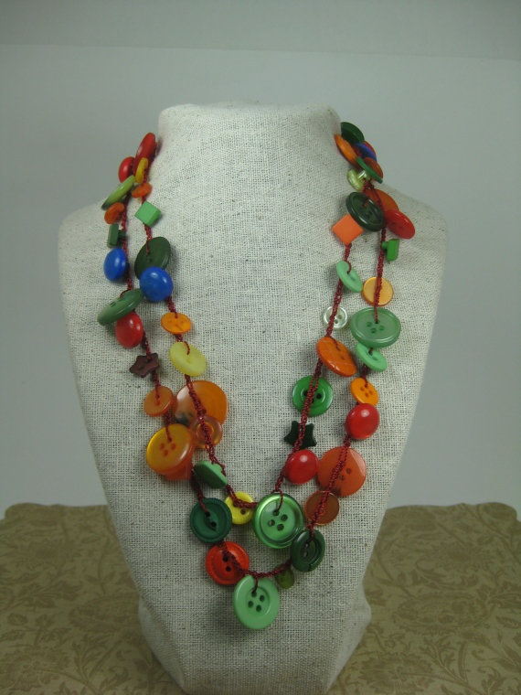 Old Fashioned Jewelry Made From Buttons And Other Jewlery Parts