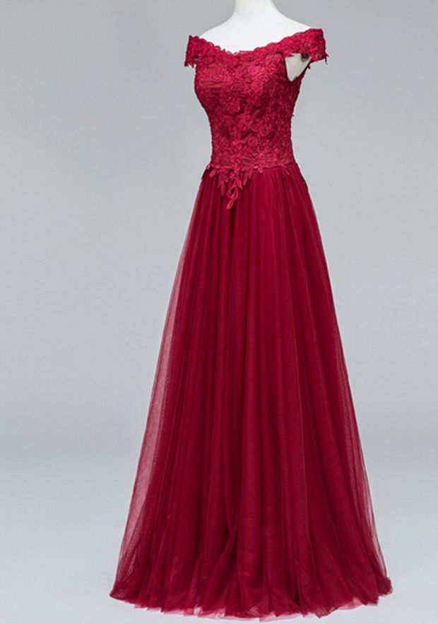 Sexy Burgundy Lace Appliques Tulle Formal Dress Featuring V Neckline And Lace-Up Back