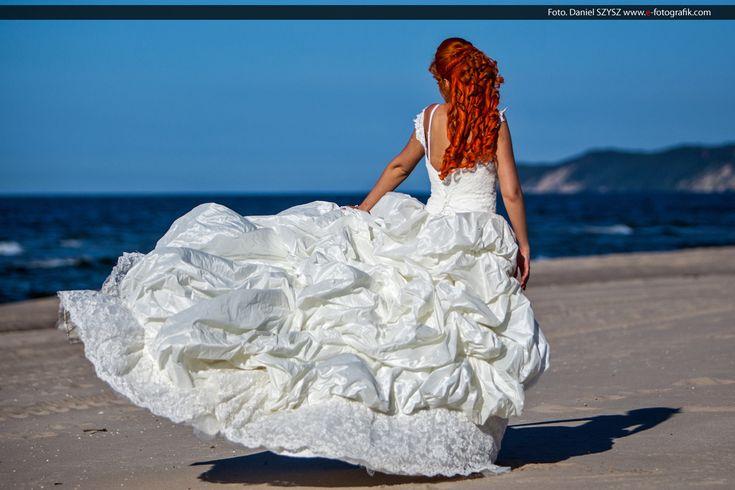 Panna Młoda na plaży – Zapraszamy na zdjęcia do Świnouśjcia
