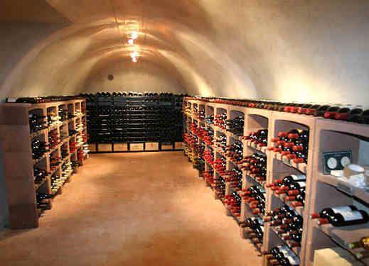 Meer dan 1000 idee n over wijnkelder op pinterest wijnkelders wijn kamers en kelde - Wijnkelder ...