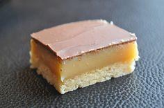 Délice au caramel et au chocolat noir ou lait (twix maison)