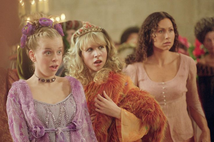 Still of Minnie Driver, Lucy Punch and Jennifer Higham in Ella Enchanted (2004) http://www.movpins.com/dHQwMzI3Njc5/ella-enchanted-(2004)/still-2561847296