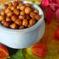 Roasted Chickpeas - yummy! Note one reviewer's recommendation to skip the oil and go for dry roasting!