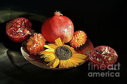 Alexander Vinogradov - Still life with pomegranates.