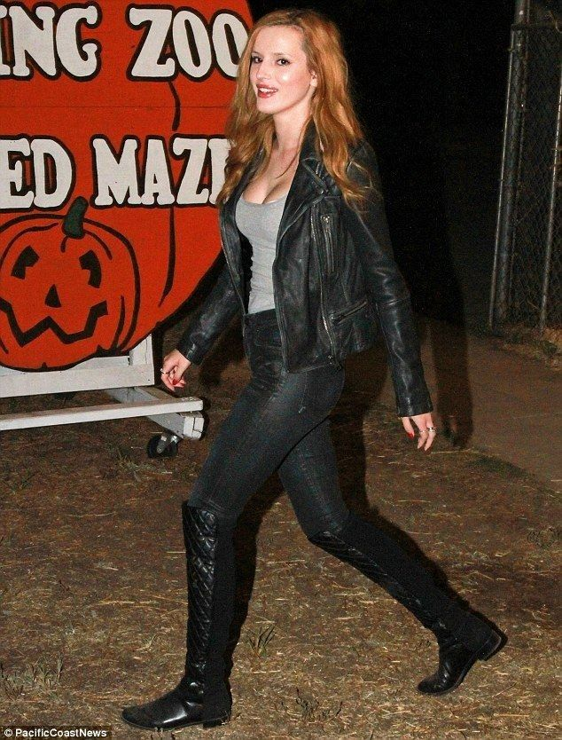 Bella Thorne dolls up to visit the local pumpkin patch - Celebrity Fashion Trends