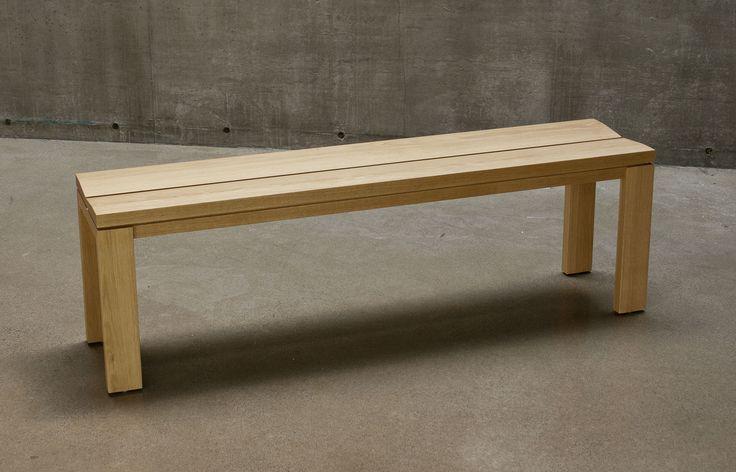 C 108 bench in white oak.  Angled seat for additonal comfort / Banc C 108 en chêne blanc.  Siège en biais pour comfort additionnel