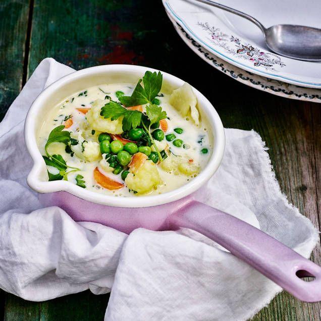 Den här goda och krämiga soppan är verkligen en gammal klassiker! Passar utmärkt som förrätt eller som en rätt i sig med en skiva surdegsbröd. Sugen på att baka eget surdegsbröd? Recept hittar du här!
