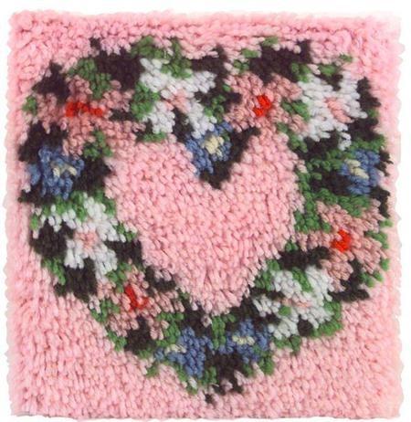 Heart Wreath - Natural Latch Hook Kit