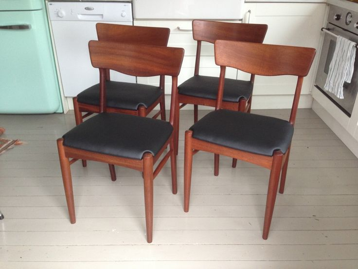 FINN – 4 flotte teak stoler GI BUD, MÅ UT