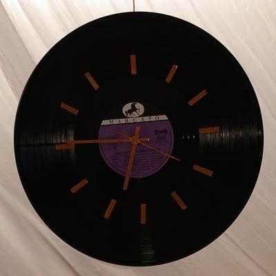 Schallplattenuhr,upcycling vinyl-Platte,diy, Weiteres unter www.recyclingkunst.wordpress.com