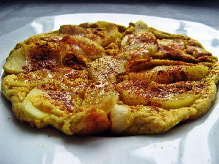 Feel Eat!: Szarlotka z patelni, czyli omlet biszkoptowy z jabłkiem i cynamonem