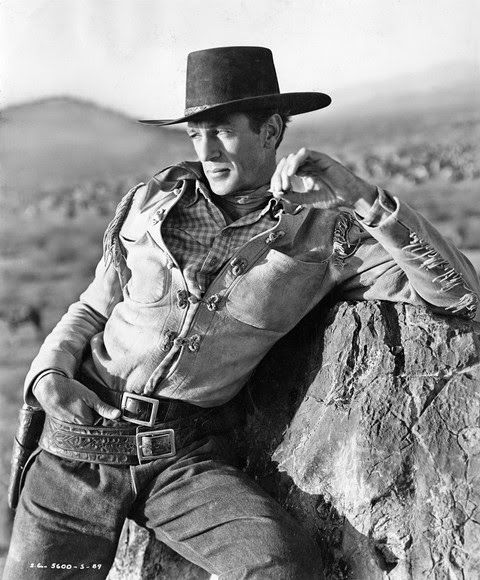 Gary Cooper in a publicity photo for The Westerner (William Wyler, 1940)             source:  loveless422
