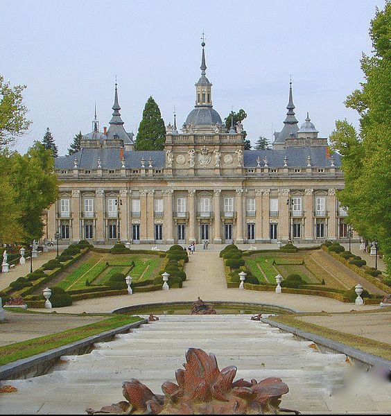 Palacio Real de la Granja, 80 kms. de Madrid