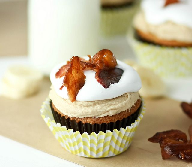 """Elvis"" Cupcakes -- Banana Cupcake with Peanut Butter Maple Frosting, Marshmallow, and BACON!!"