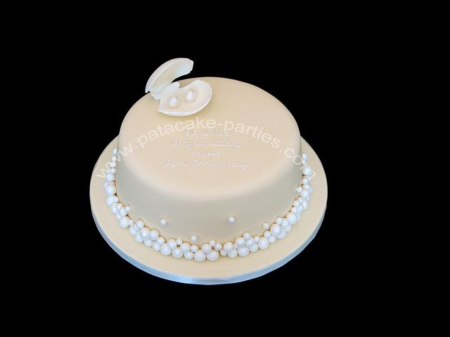 Pearl Wedding Anniversary Cake by Relznik, via Flickr