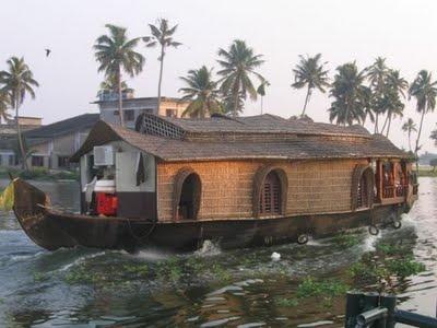 the unique and amazing 'kettuvallom'.. kerala, india..... what a dream.