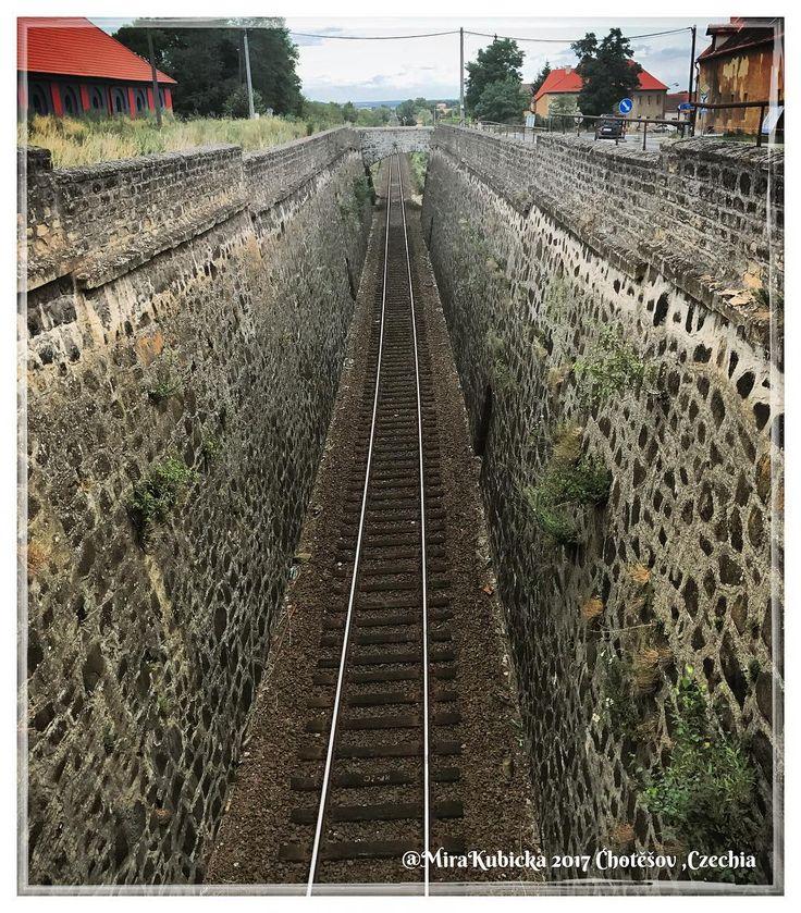 #chotesov #train #today #stone #photos #photo #photography #2017 #česko #ceskarepublika #czechrepublic #czech #czechia #cesko #travel #trip #traveler #sun