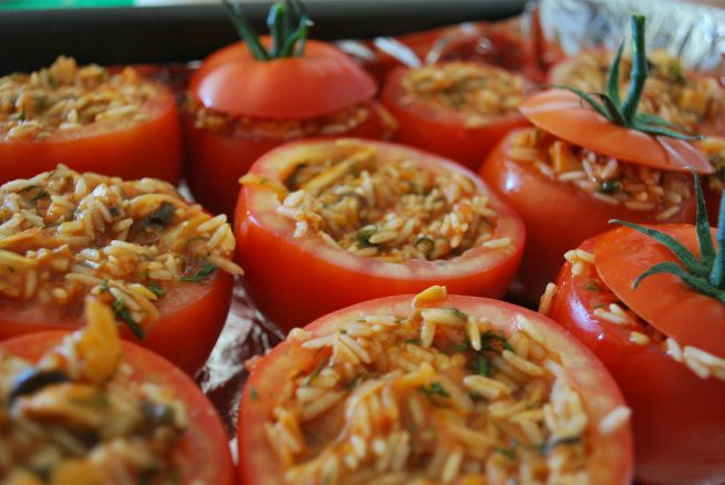 Aromatic 'Stuffed Tomatoes with Mushroom & Dill. #vegan Recipe www.yourcourageousheart.com.au